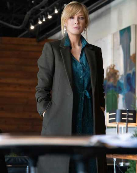 Kelly Reilly Yellowstone Season 3 Beth Dutton Black Coat