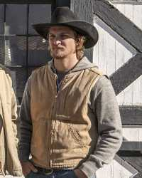 Luke-Grimes  Luke Grimes Yellowstone Cotton Vest