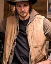 Real Luke-Grimes  Luke Grimes Yellowstone Cotton Vest